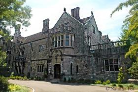 Mansion (Coe Hall)